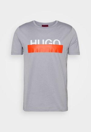 DOLIVE - Print T-shirt - medium grey