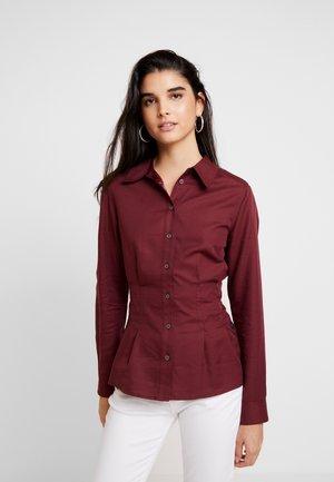 SYENITE SLIM - Button-down blouse - bordeaux
