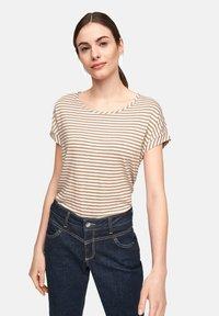comma casual identity - Print T-shirt - caramel stripes - 3