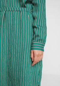 Re.draft - STRIPED DRESS - Robe chemise - cobalt green - 5
