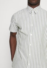 Selected Homme - SLHREGNEW CLASSIC - Shirt - smoke green - 4
