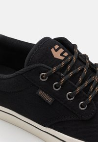 Etnies - JAMESON  - Skate shoes - black/white - 5