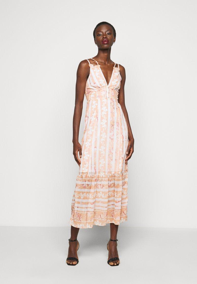 Hope & Ivy Tall - Maxi šaty - offwhite/orange