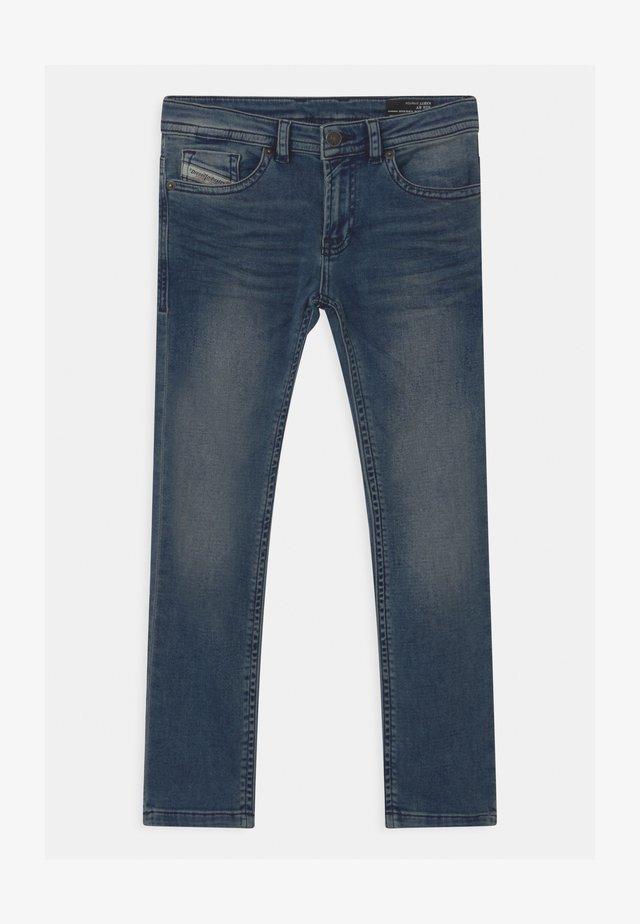 THOMMER UNISEX - Slim fit jeans - blue denim