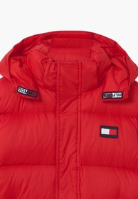Tommy Hilfiger - OVERSIZED UNISEX - Down coat - red - 2
