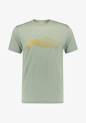 HERREN TUMBA - Print T-shirt - light green