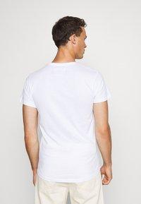 INDICODE JEANS - EAKIN 3 PACK - T-shirt - bas - black - 5