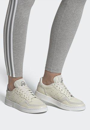 SUPERCOURT - Sneakersy niskie - owhite/owhite/crywht