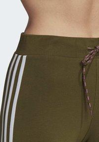 adidas Originals - LEGGINGS - Leggings - Trousers - green - 5