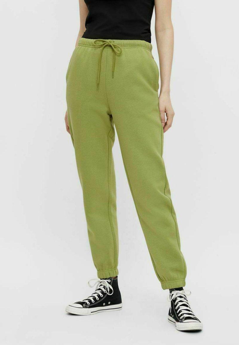 Pieces - Pantaloni sportivi - turtle green