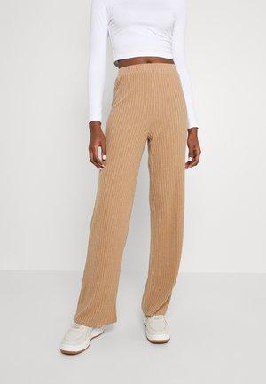 VMBLOSSOM PANT - Trousers - tan