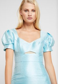 Mossman - THE SIREN MINI DRESS - Sukienka koktajlowa - powder blue - 4