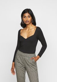 Vero Moda Petite - VMPANDA SWEETHEART - T-shirt à manches longues - black - 0