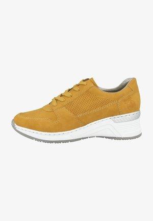 Sneakers laag - honey