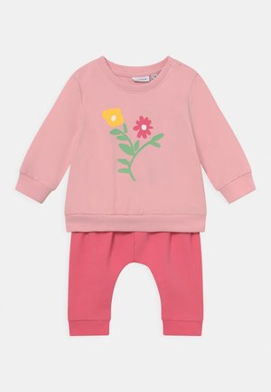NBFMUSSE SET - Sweatshirt - camellia rose