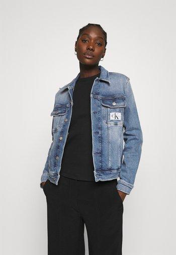 REGULAR 90S JACKET - Denim jacket - denim light