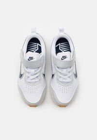 Nike Performance - VARSITY UNISEX - Neutral running shoes - white/midnight navy/photon dust/summit white - 3