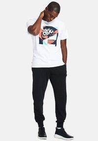 Timberland - Print T-shirt - white - 1