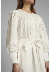 Nümph - NUSUMMER DRESS - Korte jurk - bright white - 2