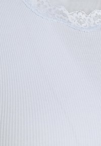 Rosemunde - Print T-shirt - heather sky - 2