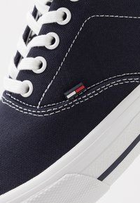 Tommy Jeans - CLASSIC - Trainers - blue - 5
