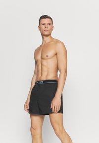 Lacoste - 2 PACK - Boxer shorts - noir/argent chine - 2