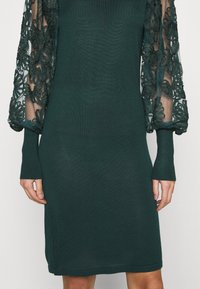 ONLY - ONLFLORA DRESS  - Robe pull - ponderosa pine - 3