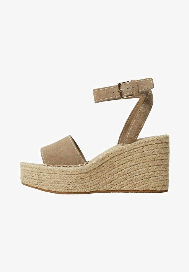 Sandalen met sleehak - licht/pastelbruin