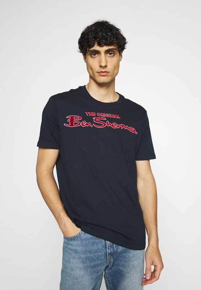 SIGNATURE FLOCK TEE - T-shirt con stampa - dark navy
