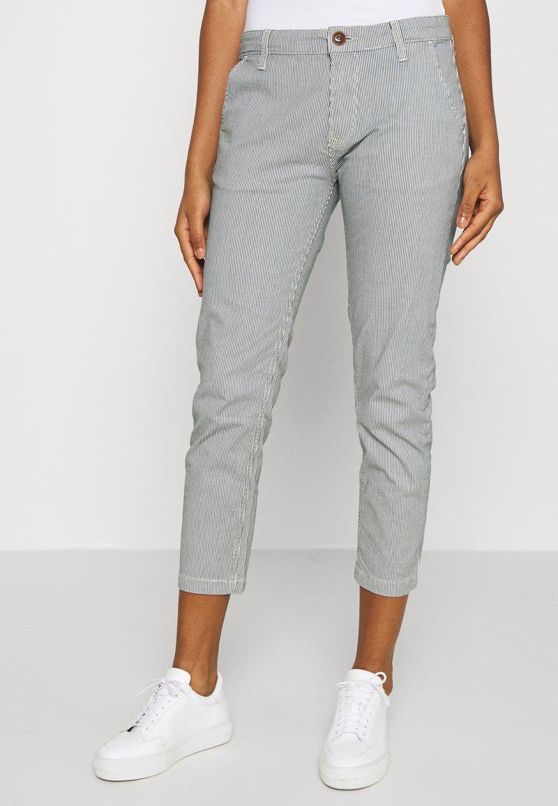 Pepe Jeans - MAURA STRIPE - Spodnie materiałowe - blue/white