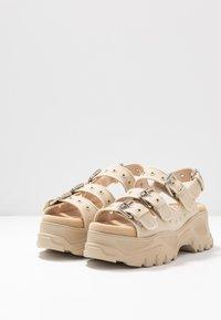 Buffalo - Sandály na platformě - beige - 4