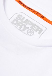 Superdry - MIT GRAFIK - T-shirts print - white - 4