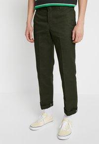 Dickies - 873 SLIM STRAIGHT WORK PANT - Trousers - olive green - 0