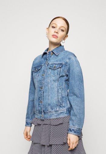 FITTED JACKET - Jeansjakke - blue denim