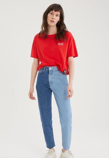 DISNEY - Print T-shirt - red