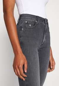 Calvin Klein Jeans - HIGH RISE SKINNY - Jeansy Skinny Fit - grey - 4