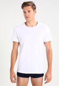 Emporio Armani - CREW NECK 2 PACK  - Maglietta intima - white - 0