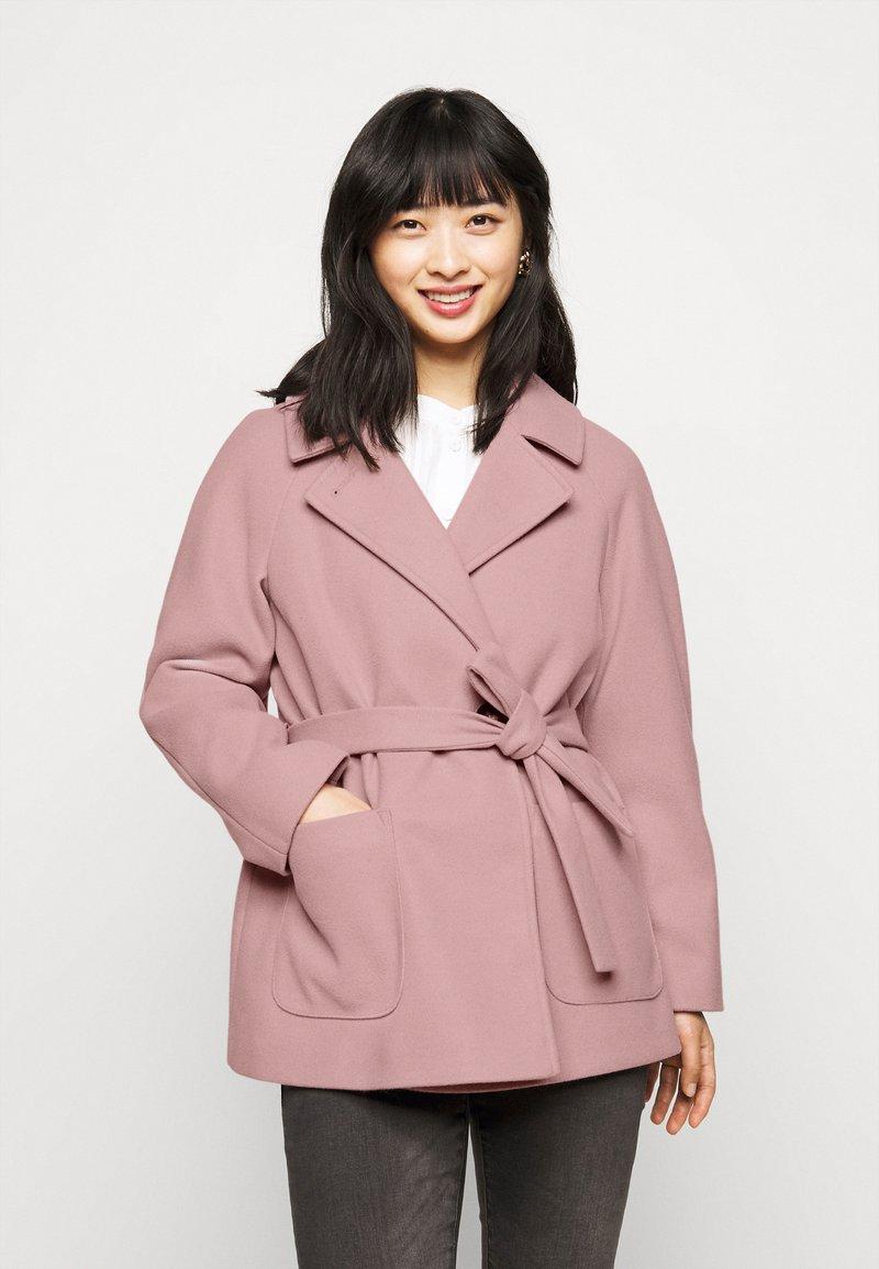 Dorothy Perkins Petite - WRAP - Summer jacket - blush