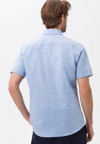 BRAX - STYLE DAN - Shirt - LIGHT BLUE - 2