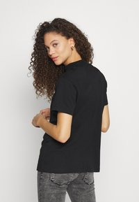 Even&Odd Petite - Basic T-shirt - black - 2