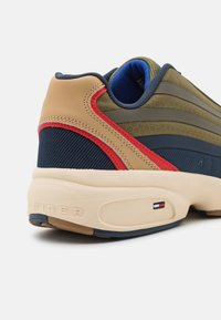 Tommy Jeans - HERITAGE MODERN RUNNER - Trainers - army green - 5