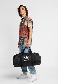 adidas Originals - DUFFLE - Torba sportowa - black - 1