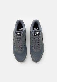 Nike Golf - AIR MAX 90 G - Golfskor - smoke grey/black/white - 3