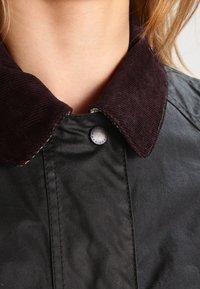 Barbour - BEADNELL WAX JACKET - Waterproof jacket - sage - 4
