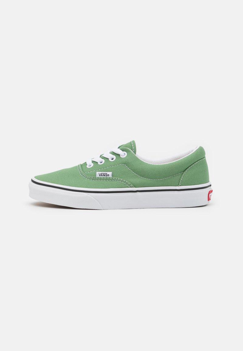 Vans - ERA UNISEX  - Sneakersy niskie - shale green/true white