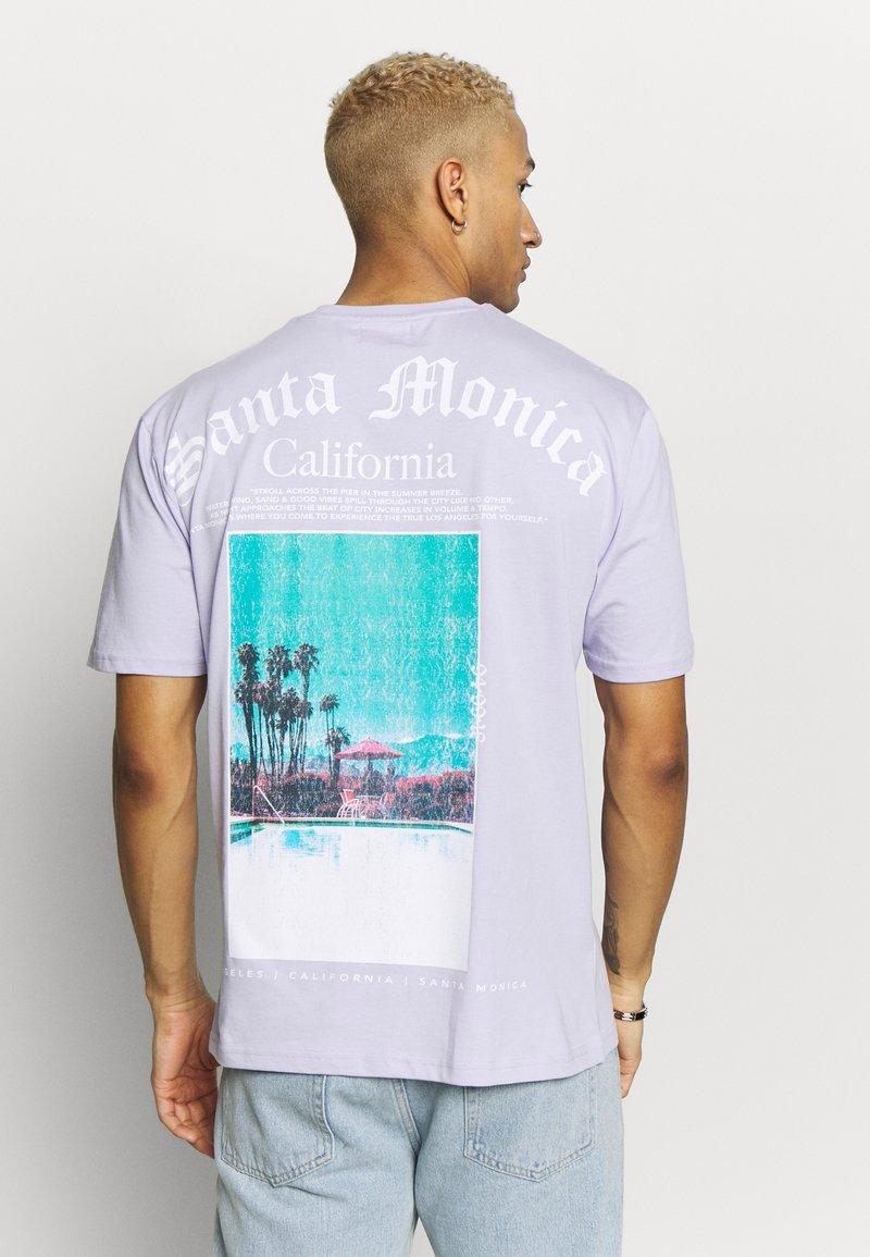 Topman - DEST BACK PRINT TEE - Print T-shirt - lilac