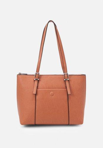 SOFT BUCKLE TOTE - Handbag - blush