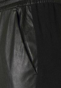 Pinko - FIBBIA PANTALONE - Spodnie materiałowe - black - 7
