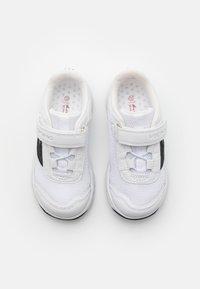 Viking - KNAPPER UNISEX - Hiking shoes - white - 3
