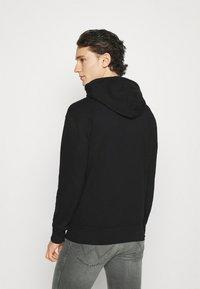 Hollister Co. - CORE ICON - Sweatshirt - black - 2